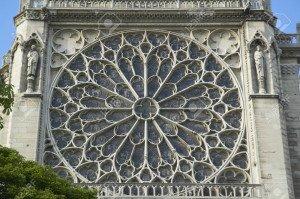007-20512176-la-rosace-de-la-cathédrale-notre-dame-paris-france
